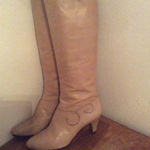 Ferragamo boots size 10 narrow